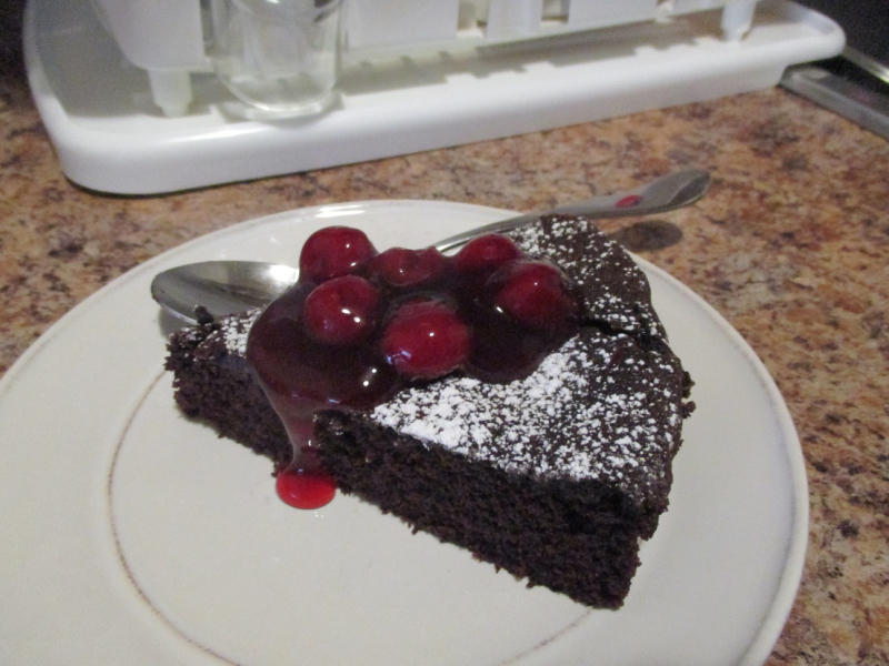 Suzetteroberts - scenes - 05 2019 - gluten-free chocolate cake - round 5 (2)