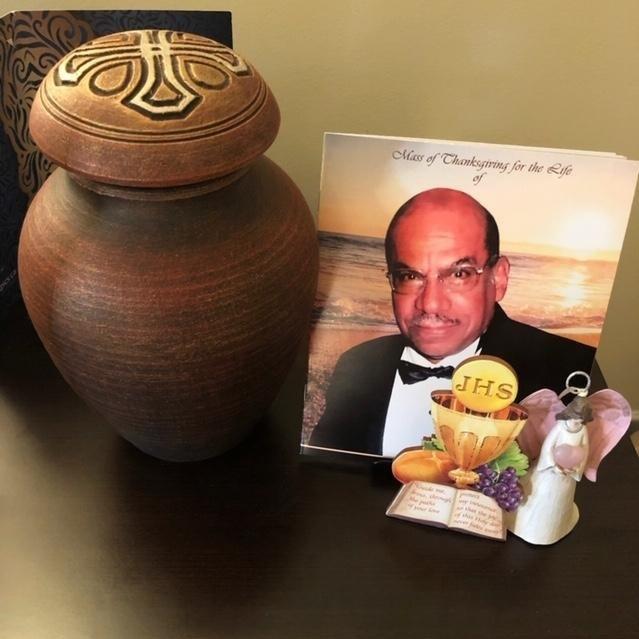 Suzetteroberts - daddy's urn - 05 2019