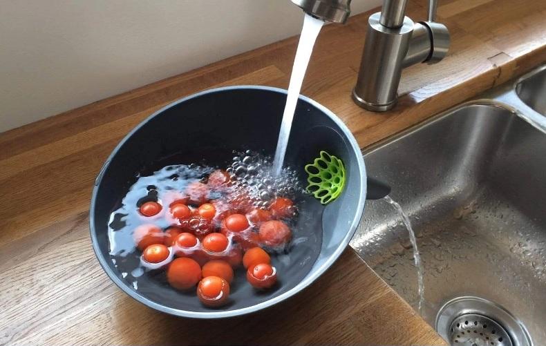 Suzetteroberts - art - 09 2020 - anton strainer bowl